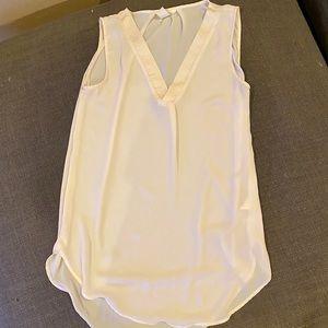 H&M sleeveless off white hi-low tunic